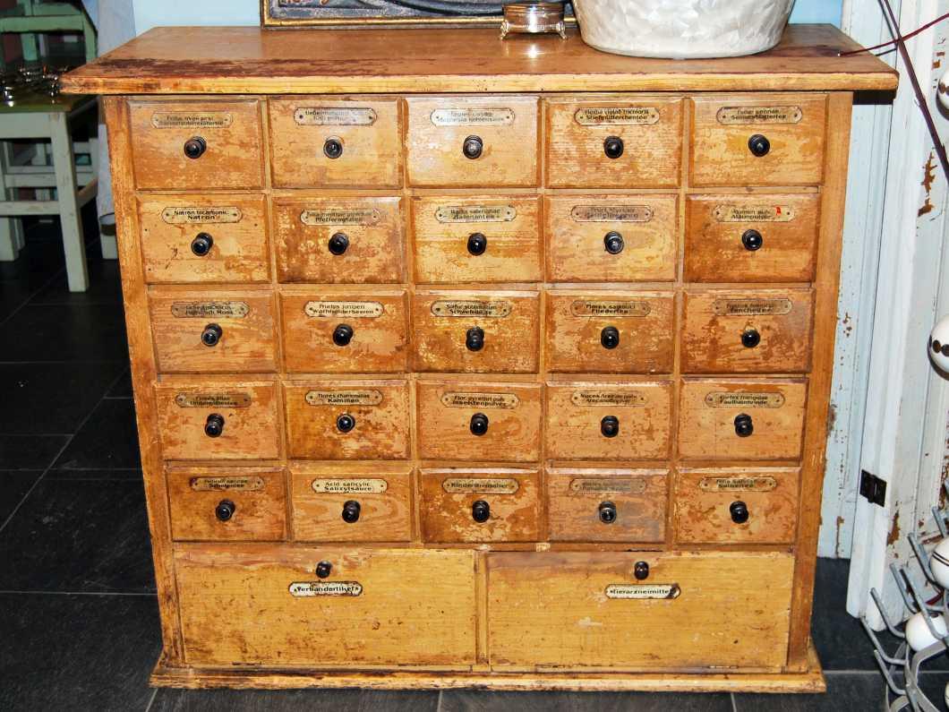 eyecatcher archiv antike m bel 18 antike m bel. Black Bedroom Furniture Sets. Home Design Ideas