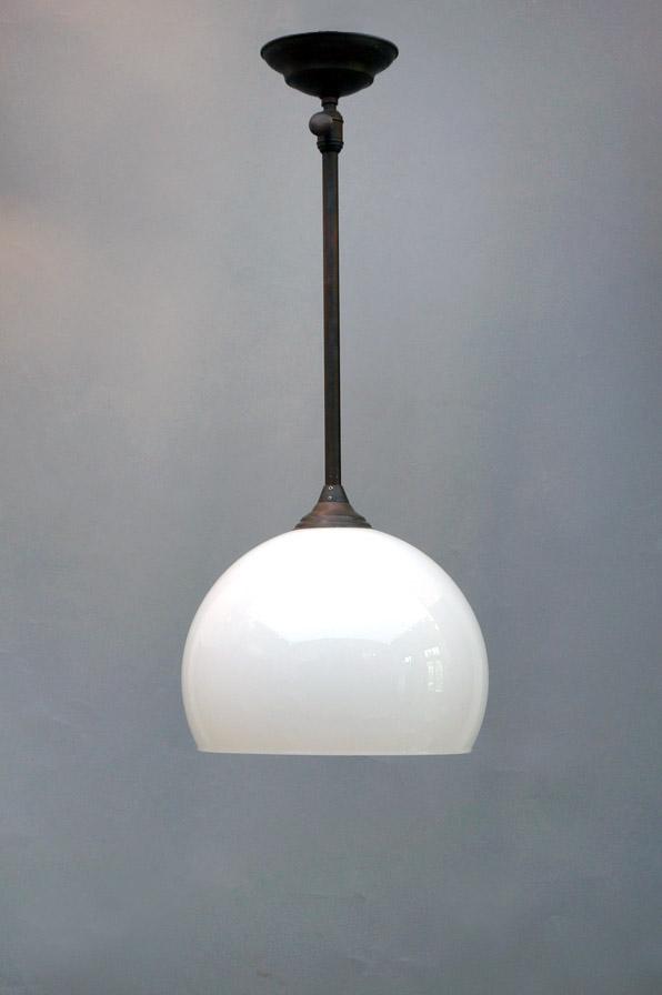 deckenleuchte aus opalglas für esstisch-dresden-eyecatcher-01