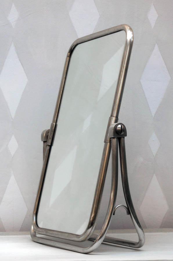 Stand-Spiegel zum Schminken