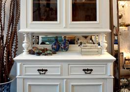 himmlisches gr nderzeit buffet antike m bel interieurs in dresden eyecatcher exklusives wohnen. Black Bedroom Furniture Sets. Home Design Ideas