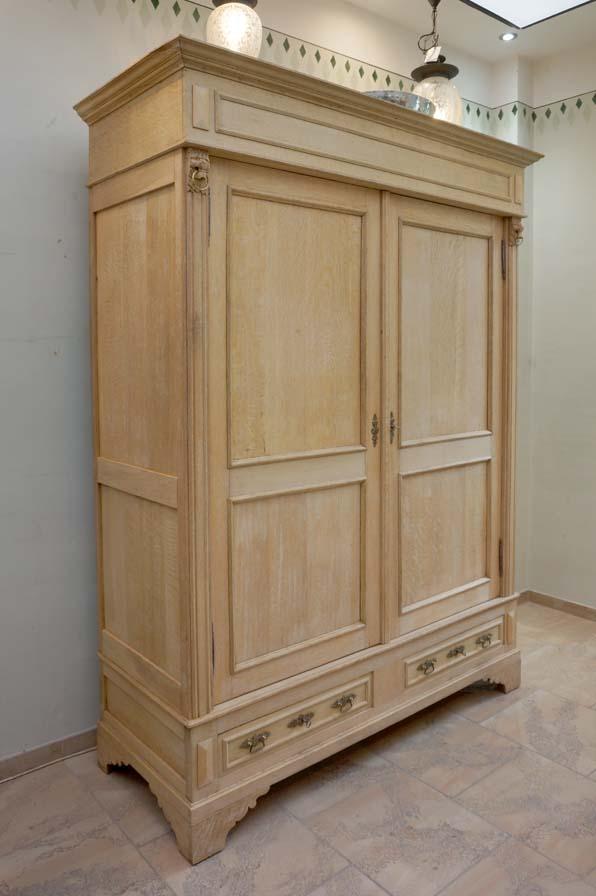 kleiderschrank-alt-antik-holz-gruenderzeit-moebel-dresden-schlafzimmer