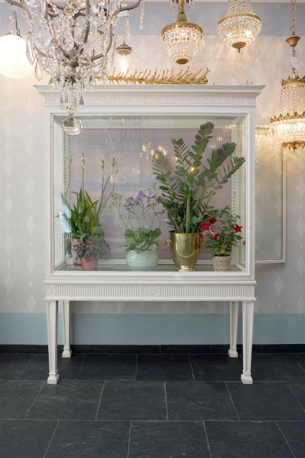 vitrine-alt-antik-weiss-frankreich-moebel-dresden-eyecatcher-02